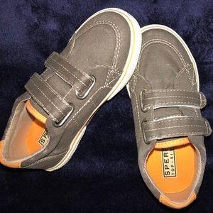 NEW Little Kid's Halyard Hook & Loop Sneakers